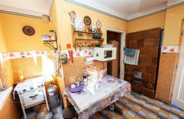 Eladó családi ház, Törökbálint, 1 szobás