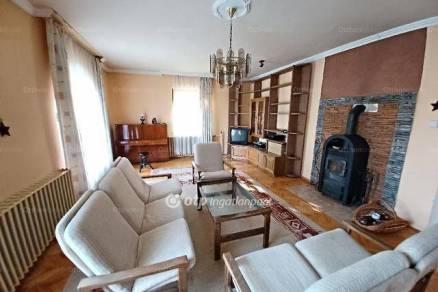Egeri eladó családi ház, 3+1 szobás, 225 négyzetméteres