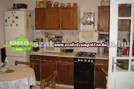 Nyíregyházai családi ház eladó, 105 négyzetméteres, 2+1 szobás