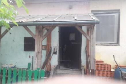 Eladó házrész Tatabánya, 2 szobás