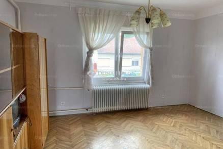 Kaposvári családi ház eladó, 120 négyzetméteres, 3 szobás