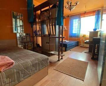 Eladó lakás, Dunaújváros, 2 szobás