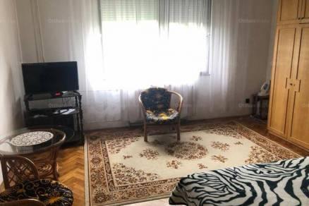 Eladó családi ház, Székesfehérvár, 5 szobás