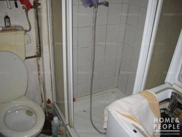 Eladó házrész, Szeged, 2 szobás