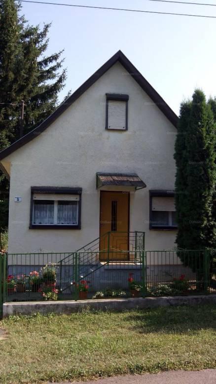 Eladó nyaraló Dombóvár a Hajnal utcában 5-ben, 1+3 szobás