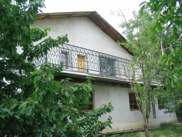 Rétság eladó ház a Rózsavölgy utcában