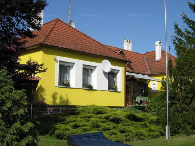 Badacsonytördemic eladó családi ház a Szent István utcában 67-ben