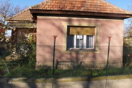 Eladó 1 szobás családi ház Nagyfüged