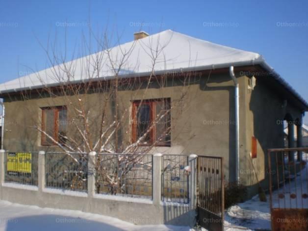 Eladó ház Balmazújváros a Tóth Árpád utcában, 4 szobás
