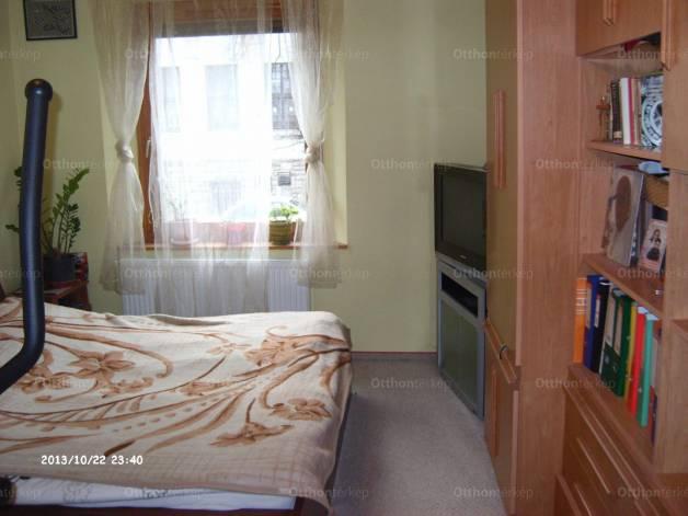 Salgótarján lakás eladó, Salgó út, 3+1 szobás