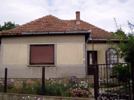 Döbröközi eladó családi ház, 2 szobás, Öreghegy utca