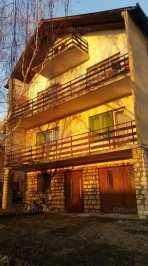 Balatonalmádi családi ház eladó Dr. Óvári Ferenc utca 17-ben, 318 négyzetméteres