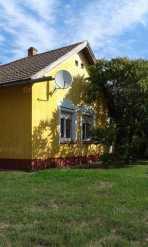 Törökszentmiklóson 3 szobás családi ház eladó