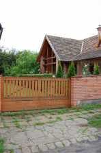 Eladó családi ház, Zebegényben az Árpád úton 28-ban, 4 szobás