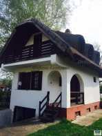 Ház eladó Szolnokon, a Vénusz utcában, 100 négyzetméteres