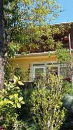 Eladó 4 szobás nyaraló Balatonfűzfőn
