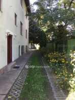 Budapesti családi ház kiadó, 730 négyzetméteres, 11 szobás
